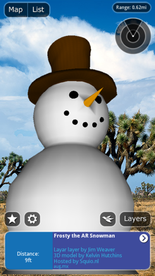 Closeup-snowman-in-desert